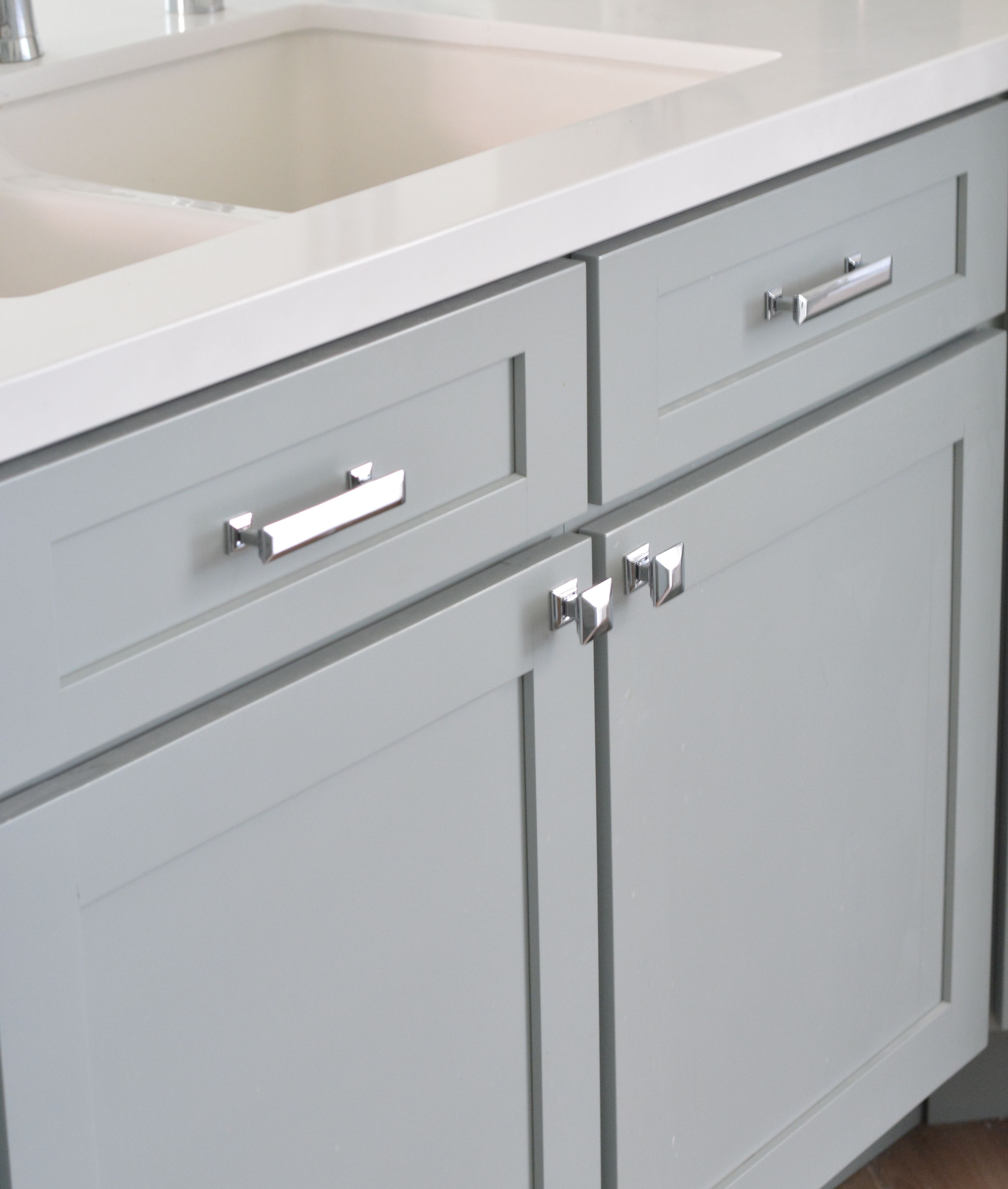 White Bathroom Cabinet Hardware Ideas