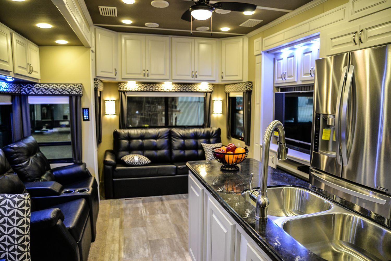 Luxury Fifth Wheels