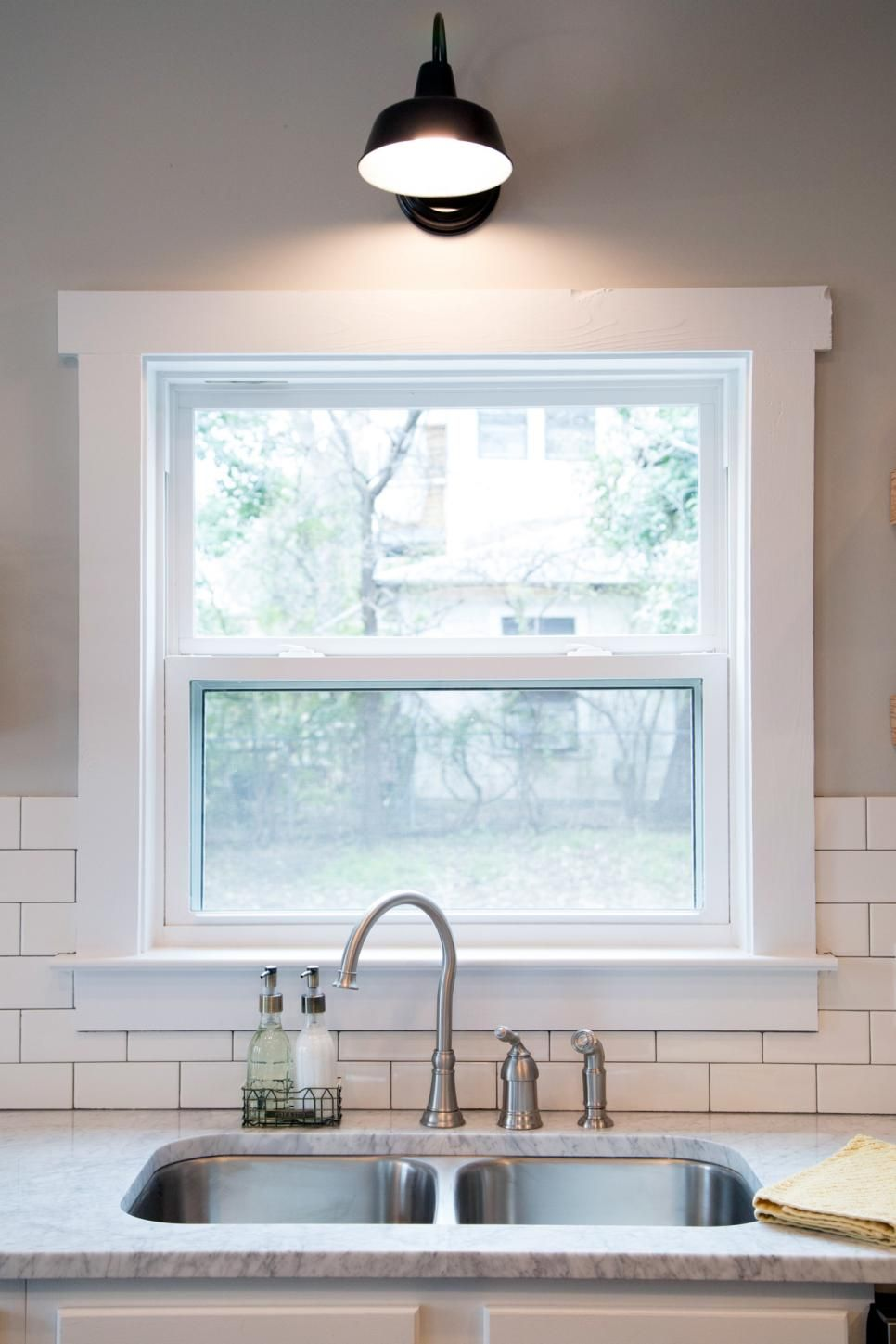 Kitchen Crown Moulding Light