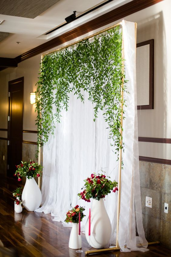 simple white backdrop with lush greenery is perfect for wedding also best images about gala themes on pinterest the secret garden rh