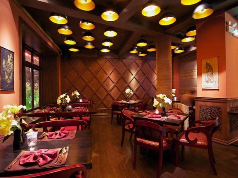 Budapest Indian Restaurant Restaurant Decor Pinterest