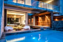 Luxury Rooms With Private Pools. Pod