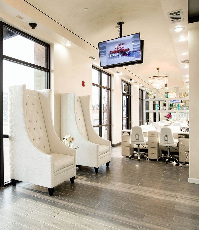 Waiting Area Chairs at Treat Your Nails Salon on Buford
