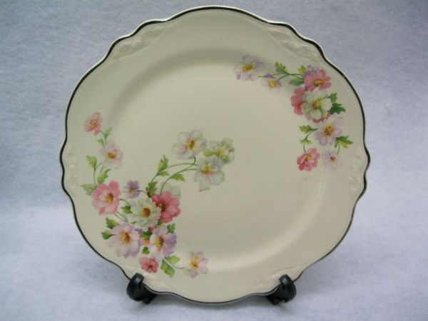 Homer Lauglin Virginia Rose Pattern Dinner Plates