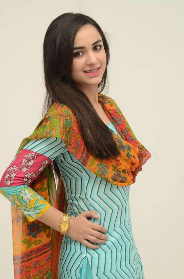 Beautiful Islamic Girl Hd Wallpapers Pin By Anam Fayyaz On Jugnoo Aka Yumna Zaidi Pinterest