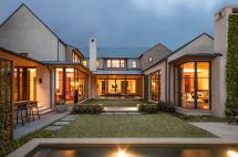 U-shaped House Plan with Courtyard