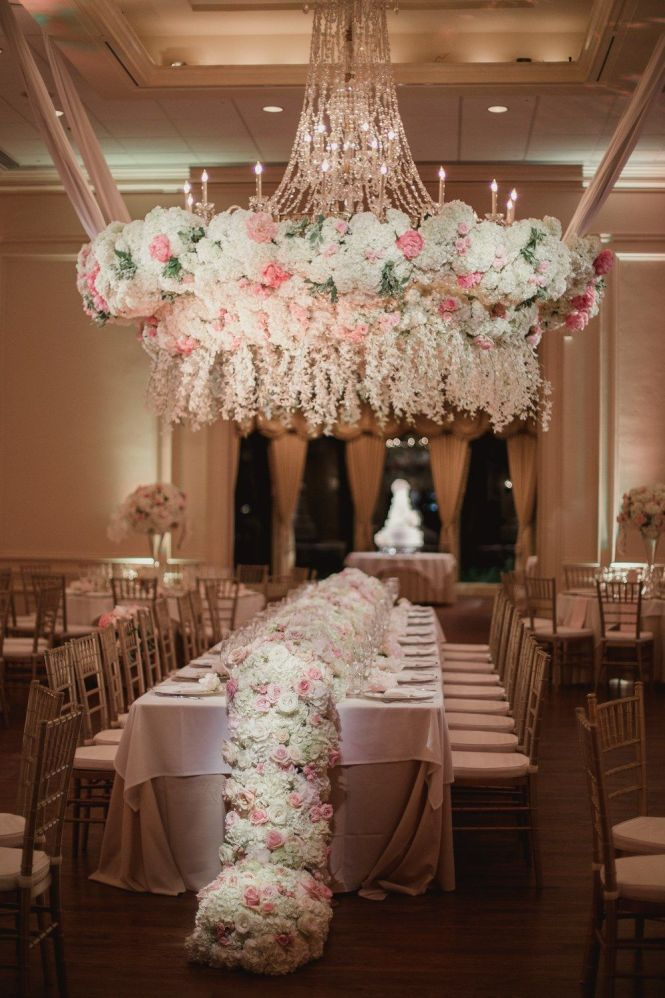 This Dallas Wedding Took Fl Chandeliers To A Whole New Level