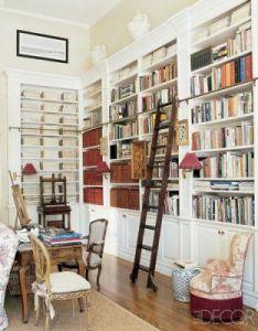 As charlotte moss does in her  hampton home break up books  artwork  lighting on the surface of shelving also bookshelf library ladder google search ideas for house rh za pinterest
