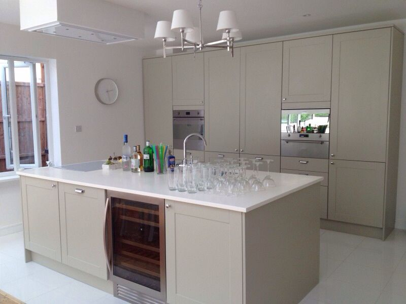 best way to clean wood cabinets in kitchen high table with storage 25+ howdens units ideas on pinterest ...