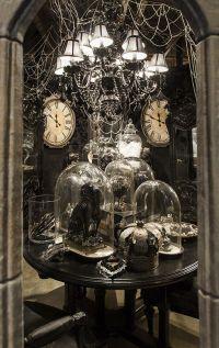 Halloween Themed room; Rogers's Gardens | HALLOWEEN ...