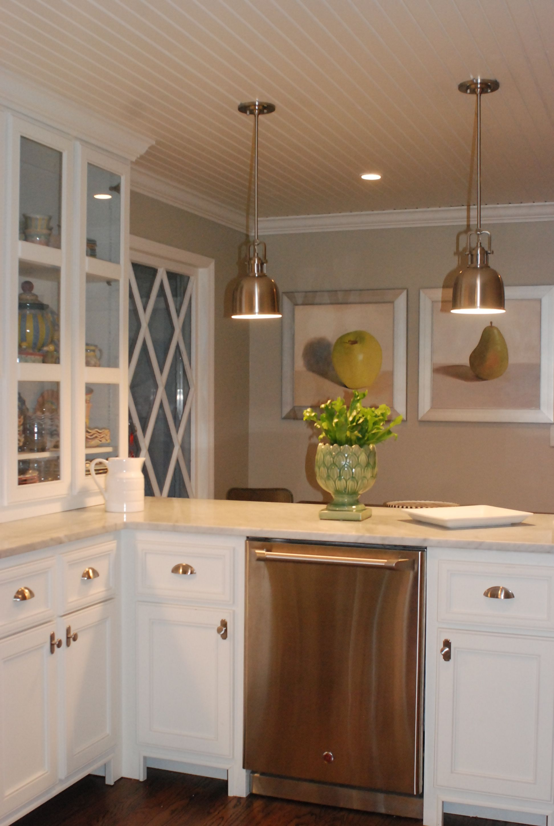 beige kitchen cabinets slip resistant shoes love the cream countertops against white