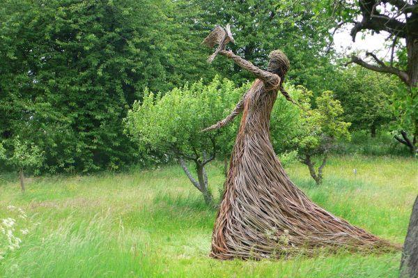 Trevor Leat Willow Sculpture