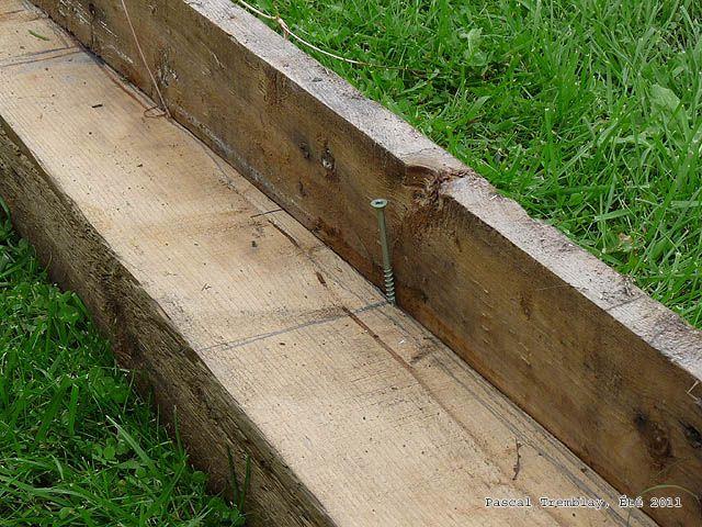 Pont en bois pour Bassin extrieur  Fabriquer un pont pour bassin  fabriquer un pont pour