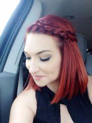 red hair short shoulder