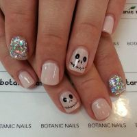 50 Cool Halloween Nail Art Ideas | Nail nail, Makeup and ...