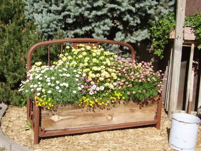 Country Junk Yard Art Ideas DIY Craft Projects For The Yard And