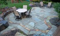 patio with a wall | Bluestone patio with Sunset Bronze ...