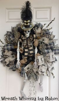 XL Halloween Skeleton Deco Mesh Wreath in Tan & Black