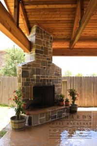 patio fire pit in corner - Google Search | Decks ...