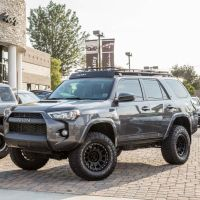 I like the roof rack on this 4runner | 4Runner | Pinterest ...