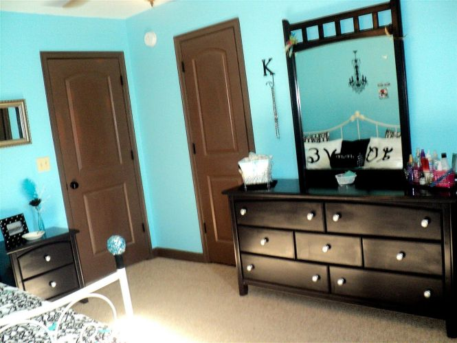 I Love This Idea For My Room Paint Walls Tiffany Blue And Have Dark Brown