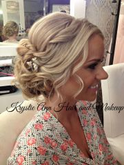 beautiful beachy updo hair