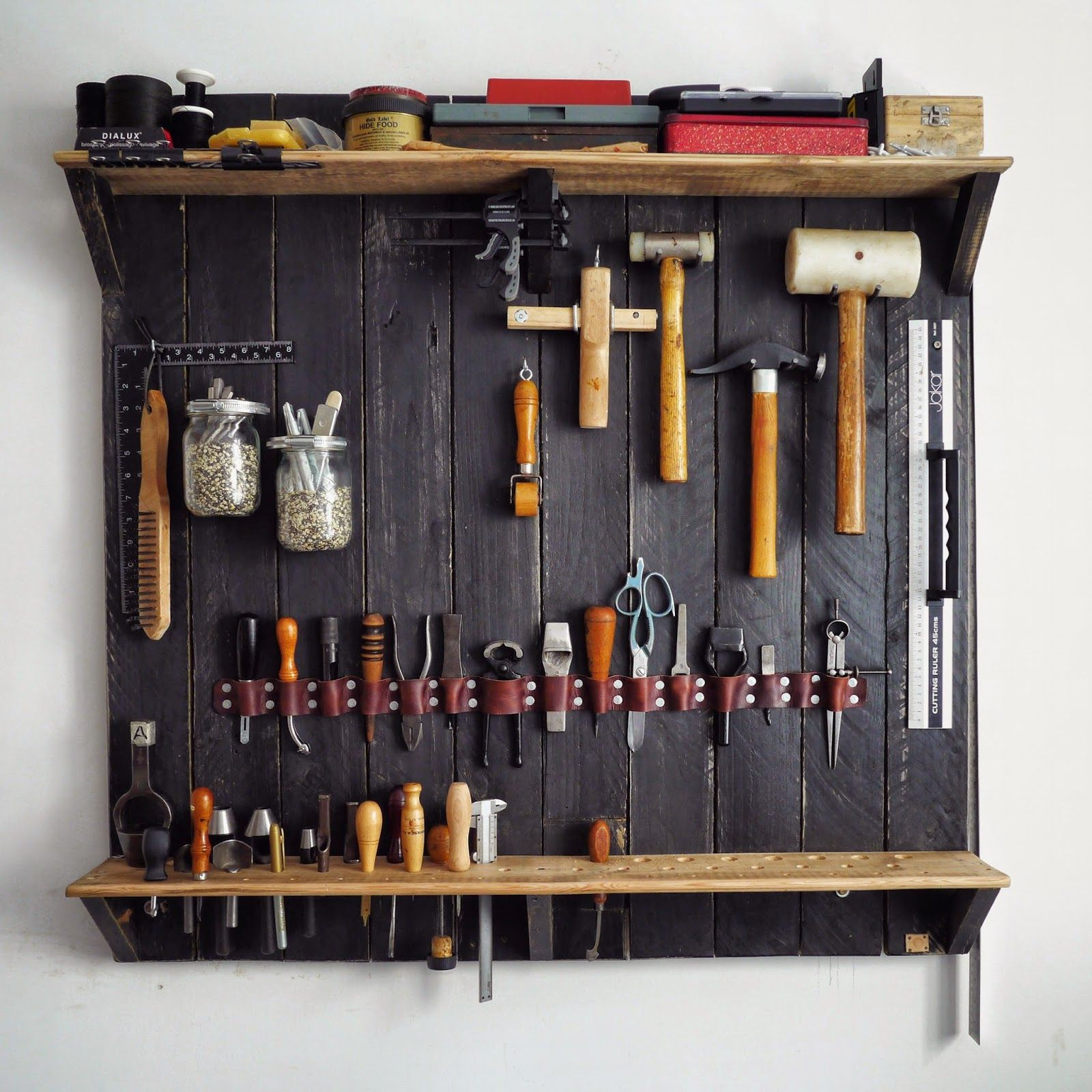 A Wallmounted Rack for my Leatherworking Tools