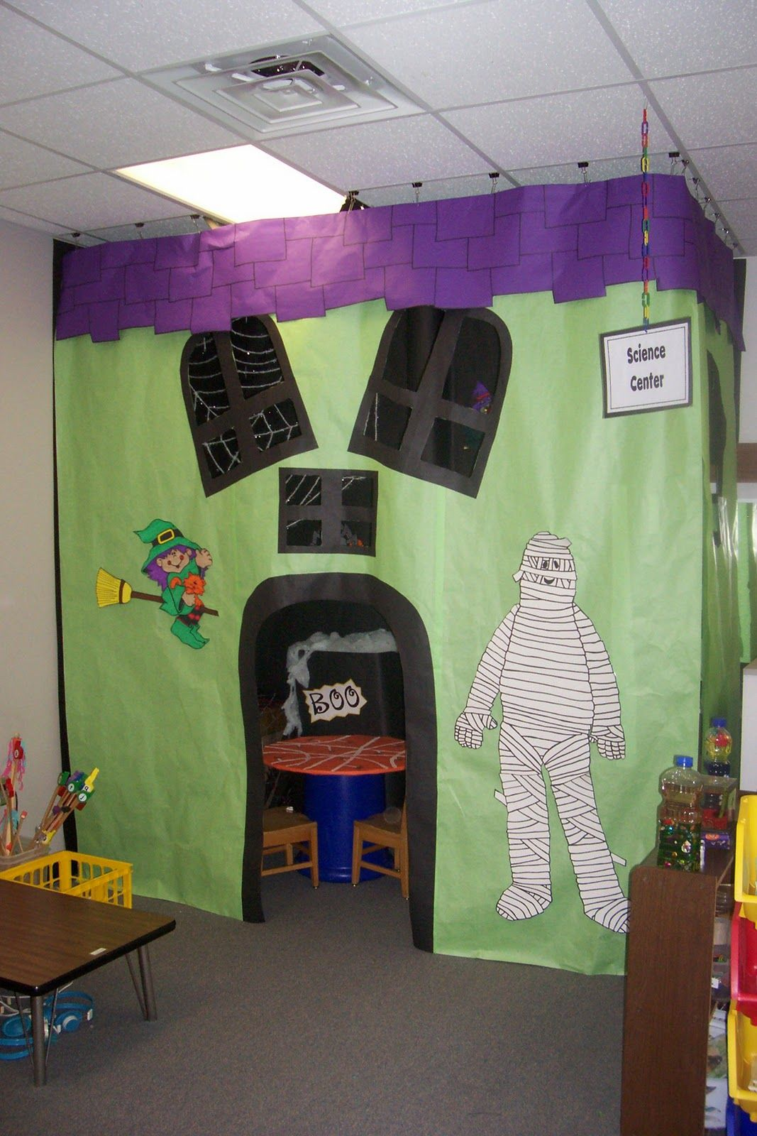 Haunted House Reading Area Using A Shower Curtain Classroom