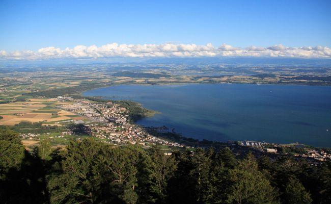 Lac De Neuchâtel La Région De La Tène Marin St Blaise