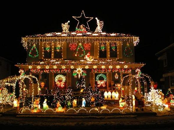 The Most Insane Houses With Christmas Decorations Lights