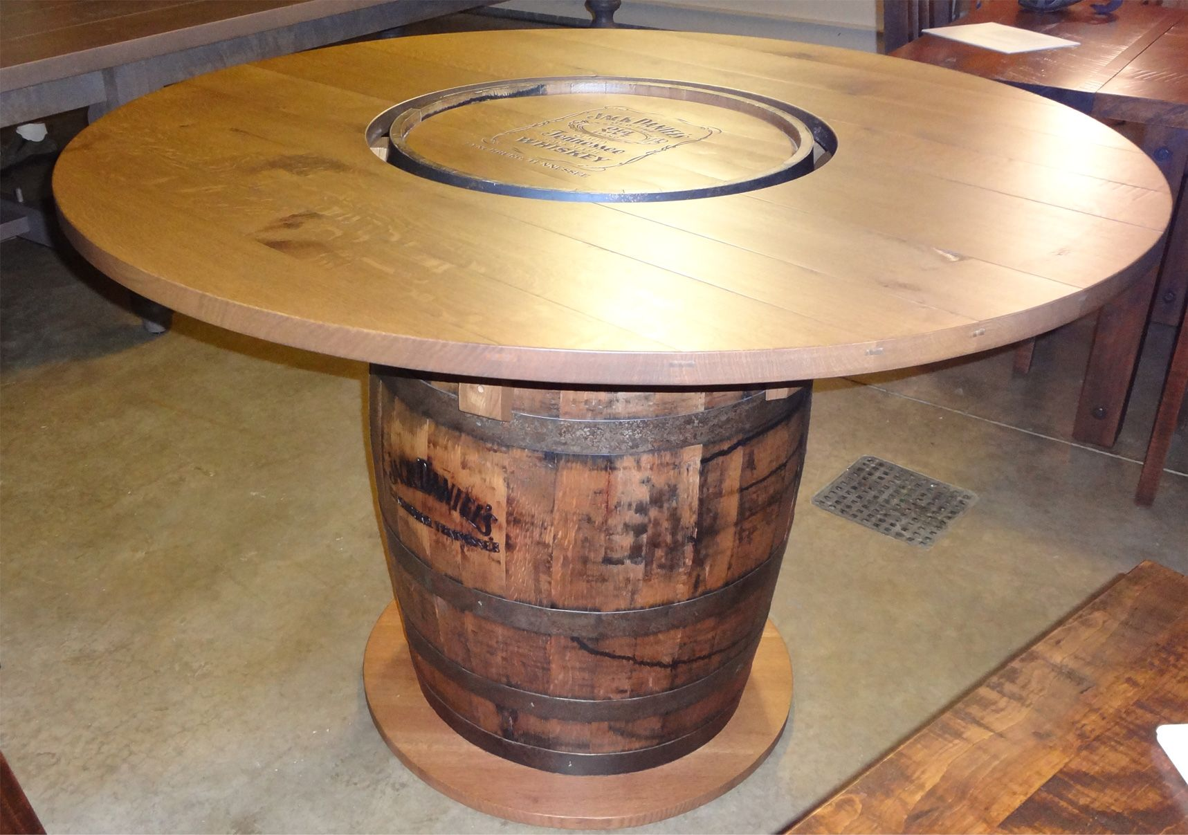 whiskey barrel pub table and chairs chair for lower back support base de barril para la mesa barmacia pinterest