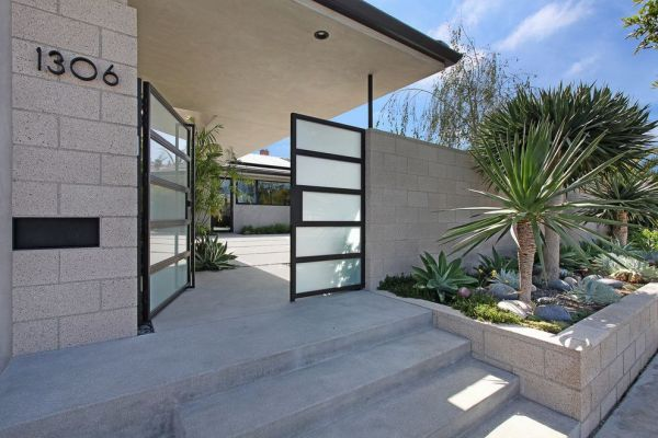 landscaping retaining wall entry