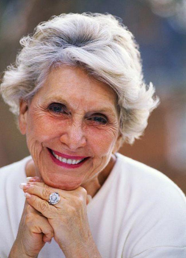 Grey Hair Women Over 60 White Or Grey Hair Pinterest Shorts