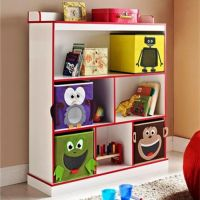 10 Great and Colorful Kids Bookshelves