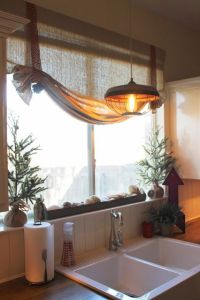 Holiday Home Tour, Christmas kitchen decor. Small burlap ...