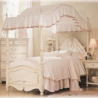 Charming and Romantic Canopy Bed Ideas : Small Beautiful ...