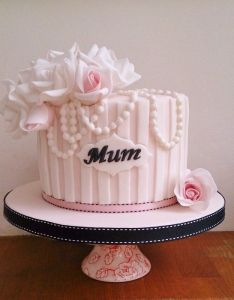 Mums birthday by the brighton cake company cakesdecor decorating also rh pinterest