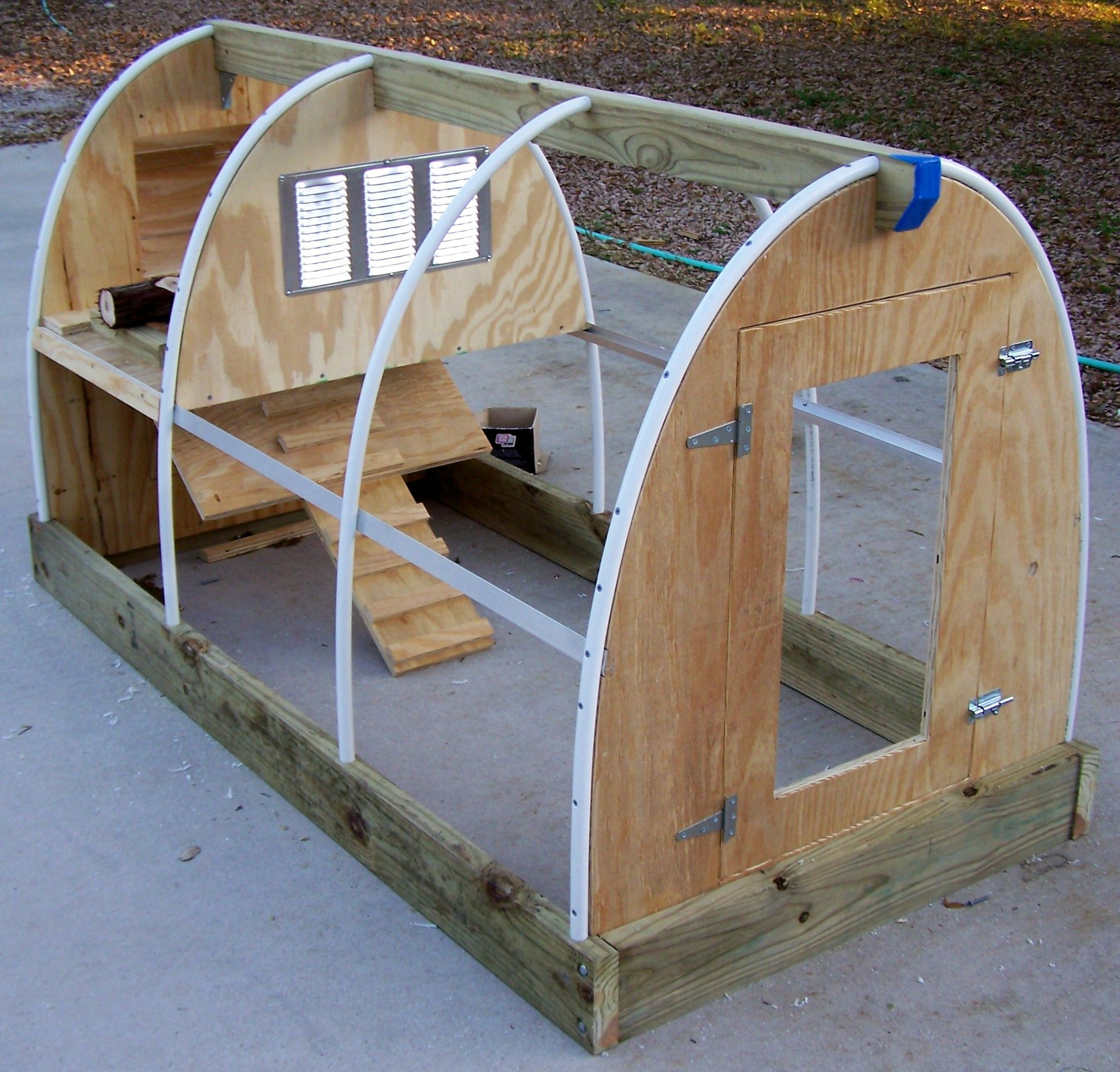 DIY Chicken Coops Plans That Are Easy To Build Diy Chicken Coop