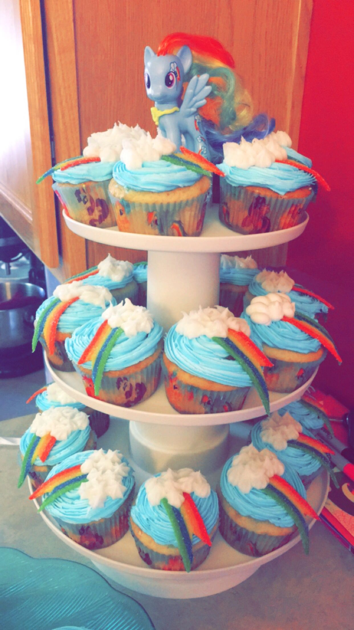 Rainbow Dash Cupcakes For Lumin S 3rd Birthday