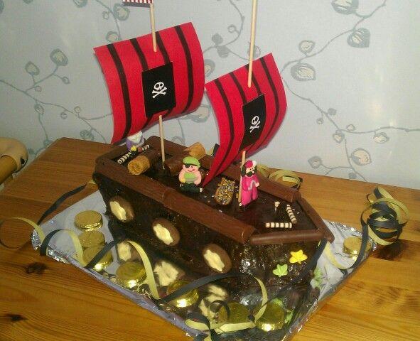 Piratenschiff Kuchen Kindergeburtstag  PiratenSause  Pinterest  Kuchen