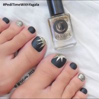 Pedicures Just Got Better With These 50 Cute Toe Nail ...