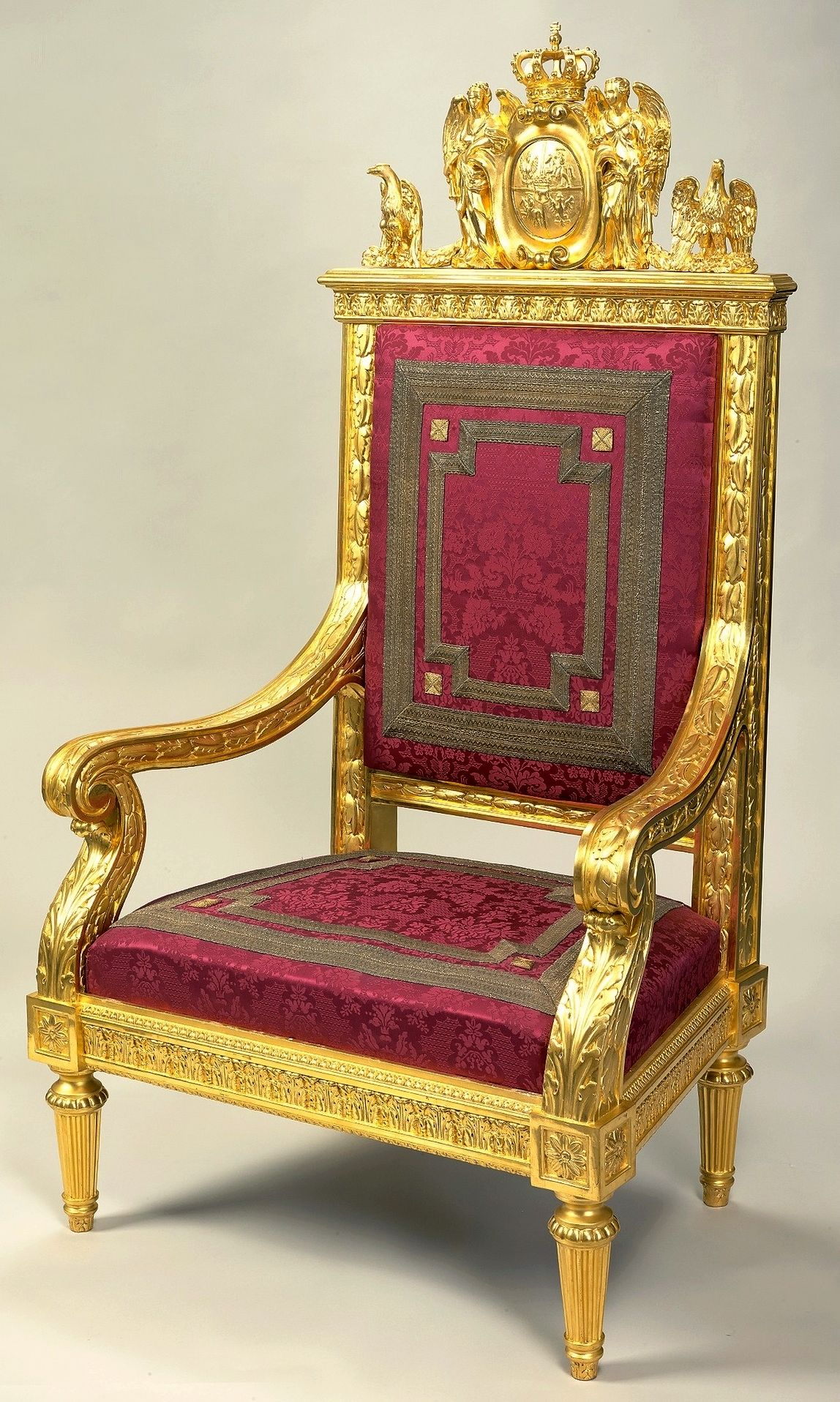 Royal Chair Rental Throne Suit