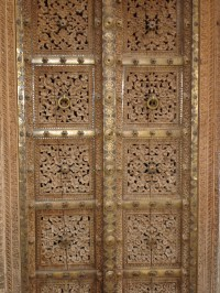 Hand-crafted Doors in Wood and Brass, Rajasthan, India ...