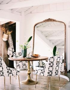 Small dining rooms come in all shapes and sizes it sometimes takes  creative eye to find the perfect space for one your home also pin by analia fernanda denza on decoracion pinterest interiors rh
