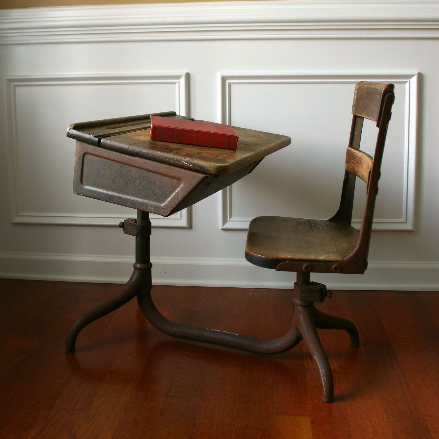 School Table And Chairs Old Rustic School Desk Pupitres Antiguos Pinterest