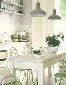 Cuisine harmonie blanc gris vert decoration maison idees deco interieur also de campage en et feng shui rh pinterest