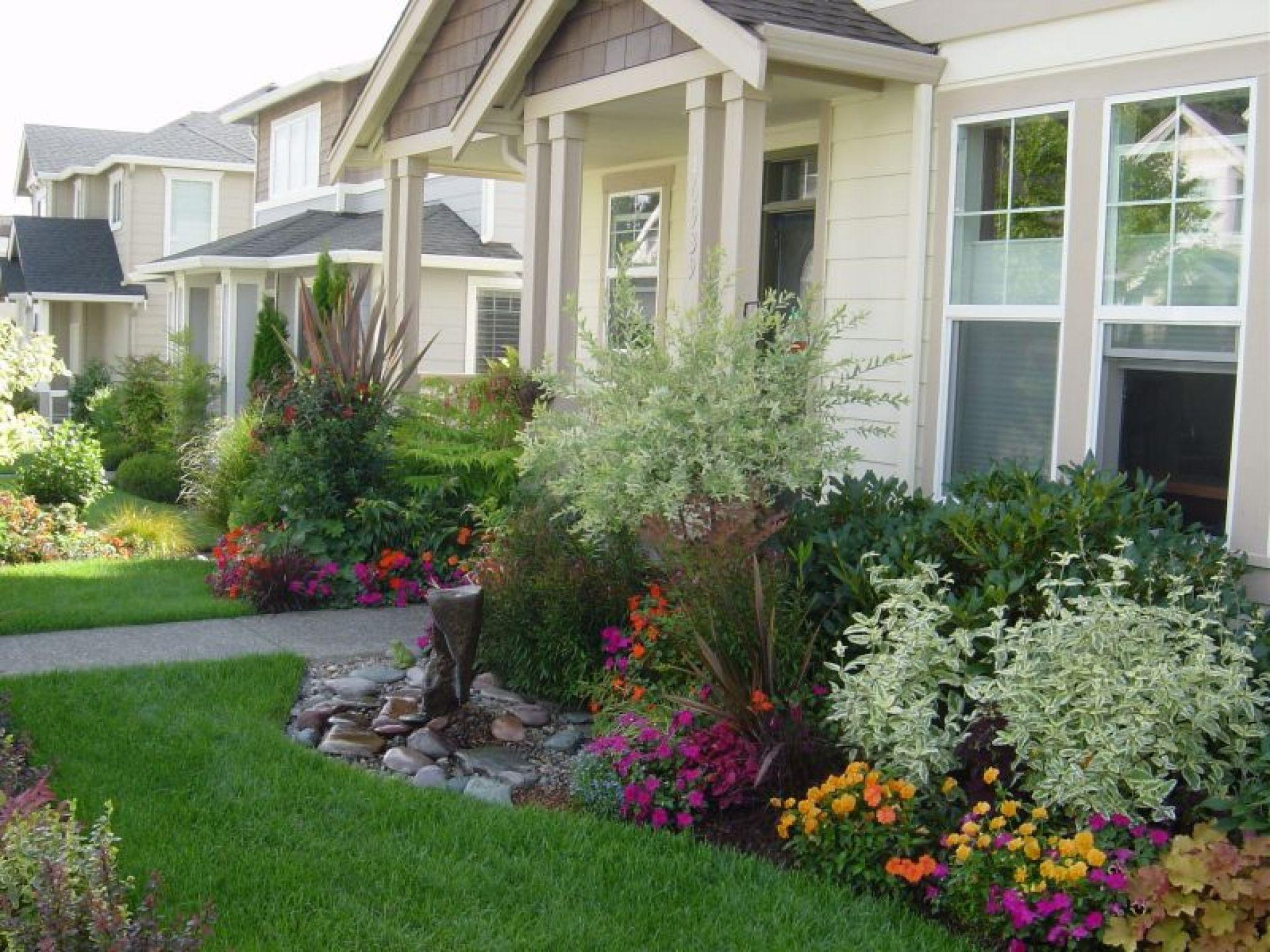 Fascinating Landscape Front Yard House Outdoor Designing