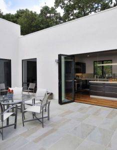 Contemporary private residence in menlo park rounded table design idea applied oaks outdoor living space with flo also interior exterior overflow at  residential house rh pinterest