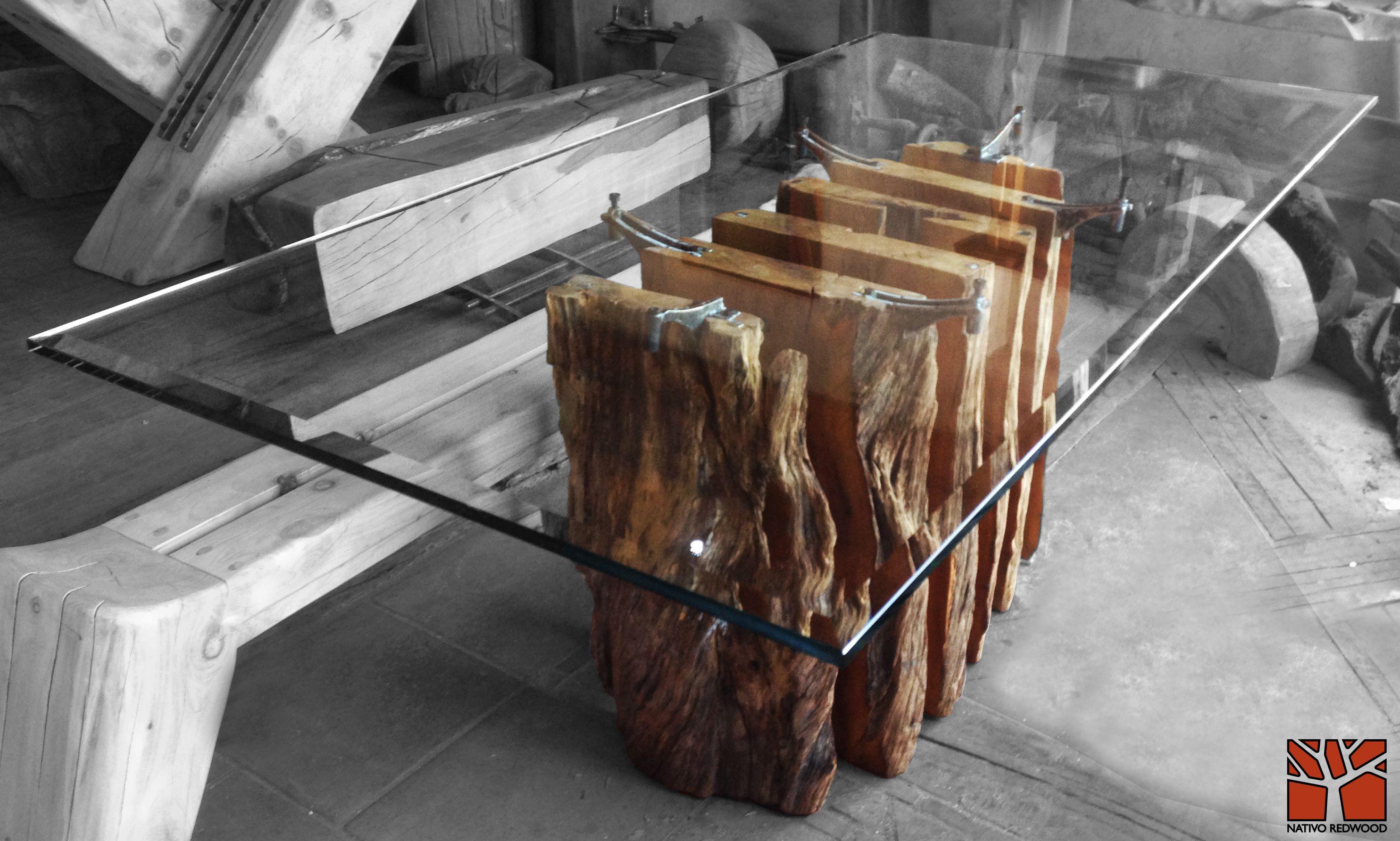 Nativo Redwood Mesa comedor con base de tronco de laurel