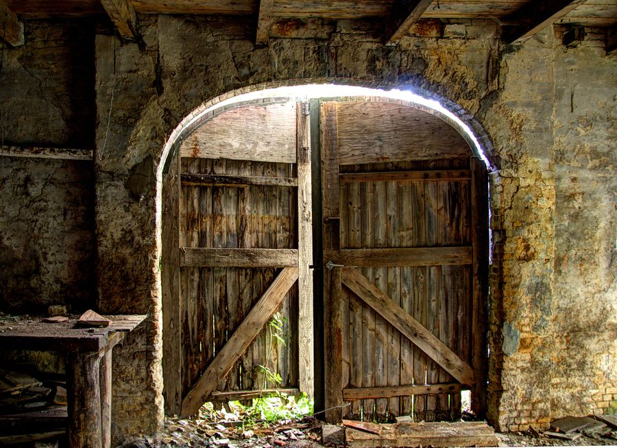 Falling Down A Portal Wallpaper Door From A Old Barn Nice The O Jays And Photos